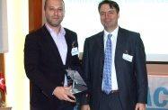 Yönetim Kurulu Başkanımız Alican Duran, üyemiz Ahmet Güleç'i ödüllendirdi | 25/02/2015